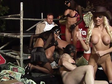 FFM threesome with sexy Jasmine Starless and Antonia Deona. HD